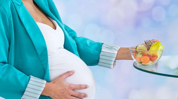 Catat 8 Makanan yang Dilarang untuk Ibu Hamil Muda